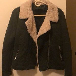 Light jacket with faux fur collar
